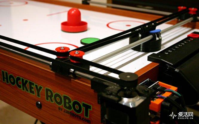 跟机器人玩桌上冰球 请做好被虐哭的准备-德州新博科技