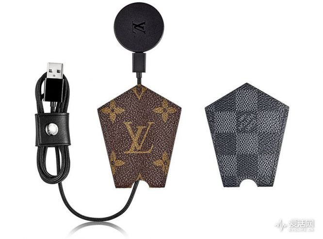 louis_vuitton_battery_charger_for_tambour_horizon_watches_jewellery_and_timepieces__R17201_PM2_Front_view