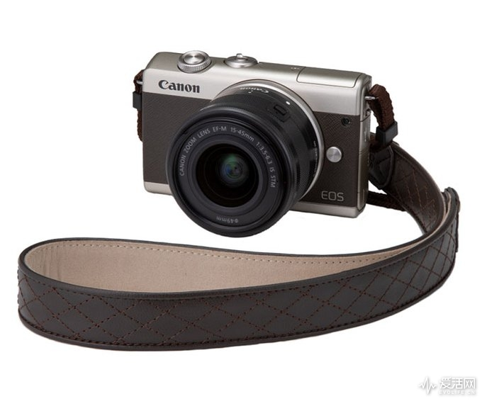 Canon-EOS-M200-limited-edition-gold-kit-2